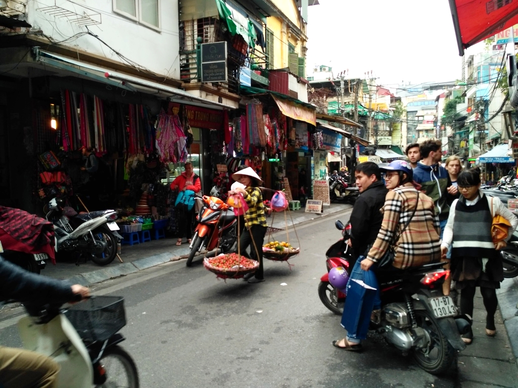 Vietnam budget travel